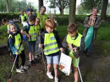 Grijpers in schoon 's Gravenmoer oogsten bar weinig tijdens World Cleanup Day