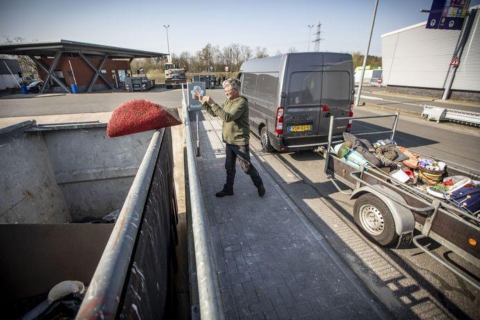 Met de verruiming van de openingstijden van het afvalbrengpunt aan de Lübeckstraat komt de gemeente tegemoet aan een wens van de inwoners.