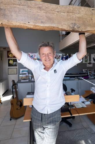BINNENKIJKEN. In deze muzikale 'mancave' vindt Willy Sommers zijn rust en creativiteit