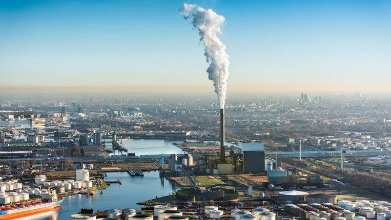 De kolencentrale aan de Hemweg. Over vijf jaar komt waarschijnlijk bijna de helft van de elektriciteit in Nederland uit duurzame bronnen Beeld John Gundlach/ANP