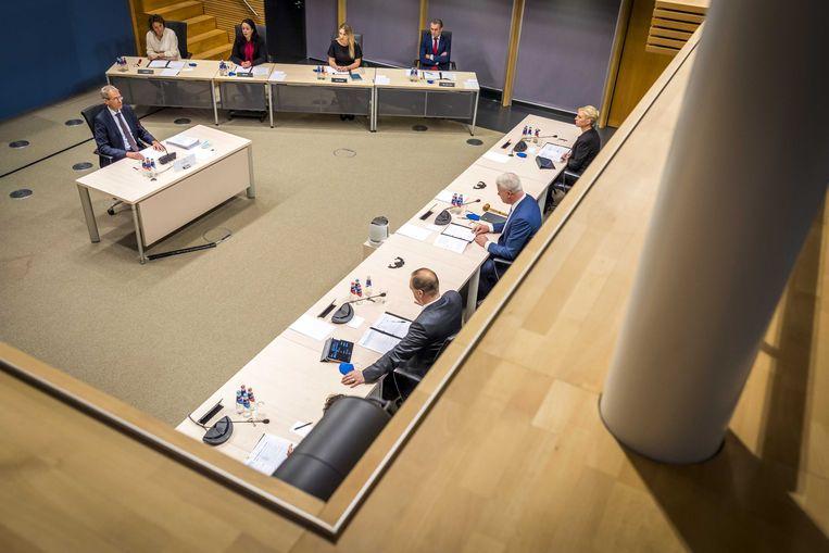 De heer J.J.M. Uijlenbroek, Directeur-generaal Belastingdienst (2017-2020) wordt gehoord door de parlementaire enquêtecommissie Kinderopvangtoeslag.   Beeld ANP