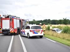 Provinciale weg tussen Zutphen en Doetinchem dicht na eenzijdig ongeval; man zwaargewond