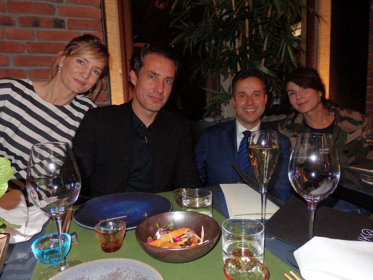 Ontwerpers Carole Baijings en Stefan Scholten, directeur Roy Tomassen van het Conservatorium Hotel, actrice/schrijfster Kim van Kooten (vlnr). Beeld Schuim