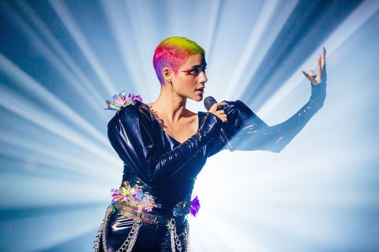 De Australische songfestivalinzending Montaigne, die niet naar Rotterdam kon afreizen vanwege de coronarestricties in eigen land, werd dinsdag uitgeschakeld. Beeld EPA