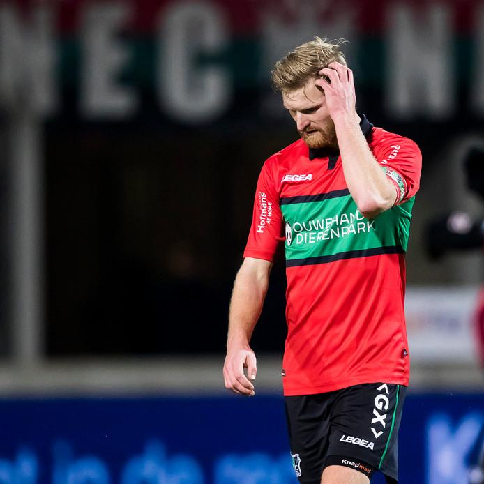 NEC-aanvoerder Mart Dijkstra baalt tegen Fortuna Sittard.