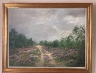 Familie schenkt schilderij Heidebos aan gemeente