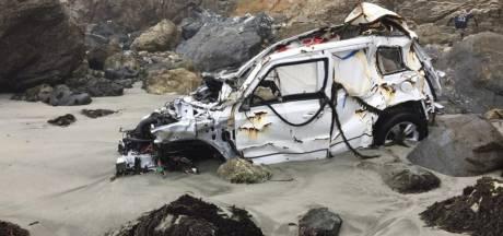 Radiateur-vrouw die van klif stortte toont foto's van zwaarbeschadigde Jeep