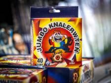 Handelaren stappen over op populair 'kindervuurwerk' (maar veel levert het niet op)