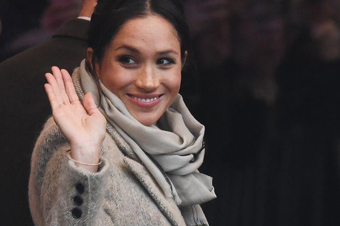 Meghan vandaag tijdens een bezoek aan een radiostation in Brixton. Het was haar tweede optreden in het openbaar sinds de bekendmaking van haar verloving.