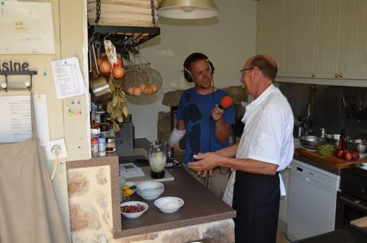 Jerry Huinder (43) is zo'n wielergek die in oktober via een livestream naar de onthulling van het Tour-parcours van de volgende zomer koekeloert.