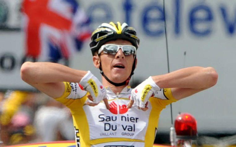 De lichaamstaal van Riccardo Ricco sprak 13 juli, toen hij de negende etappe op zijn naam schreef, boekdelen. Hij juichte echter te vroeg. Foto EPA/Christophe Karaba Beeld