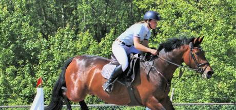 Yenca Sips heeft twee prachtige paarden tot haar beschikking