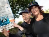 Eric en Annebelle varen op de Liniepont: 'Het is een van de mooiste stukken van de Lek'
