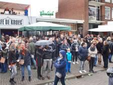 Café De Kroeg vierde al twee keer voor de laatste keer Koningsdag, maar gaat gewoon verder