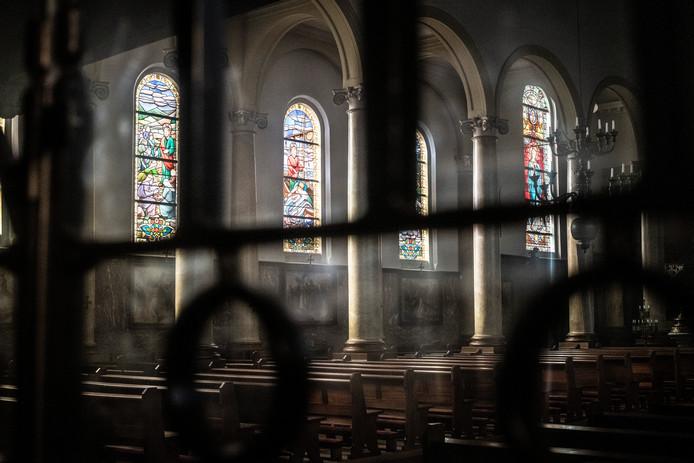 PR dgfoto Gelderlander: misbruik priester binnen katholieke kerk. [OP DE FOTO: Grote Bartholomeuskerk Beek (Ubbergen)]