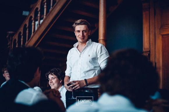 Jens Hamerlinck op zijn verjaardagsfeestje, twee weken geleden. Vrijdag was de verjaardag zelf, en die ging hij vieren op de Gentse Feesten.