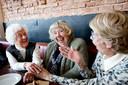 Het is volgens de initiatiefneemster achter Stichting Met je Hart precies de bedoeling dat mensen ook buiten de ontmoetingen om met elkaar afspreken.