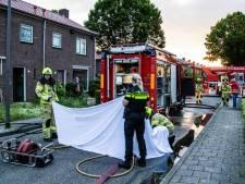 Man naar ziekenhuis nadat hij vijf hondjes redt uit brandend huis, vier dieren overlijden, vier gereanimeerd
