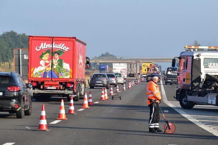 Door het ongeval was maar één rijstrook vrij, wat extra files veroorzaakt in de richting van Brugge