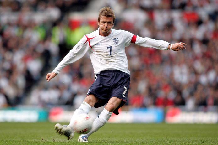 Al in zijn jaren als voetballer was Beckham razend populair.