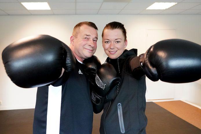 Als gevolg van een herseninfarct is Wim zijn balans kwijt, maar dankzij bokstrainingen met zijn dochter Semaja gaat het lichamelijk al een stuk beter.