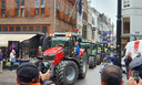 Trekkers reden, ondanks blokkades, de Haagse binnenstad binnen.