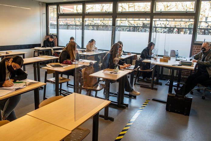 Leerlingen van 't Rijks in Bergen op Zoom begin dit jaar toen de scholen deels weer open mochten.