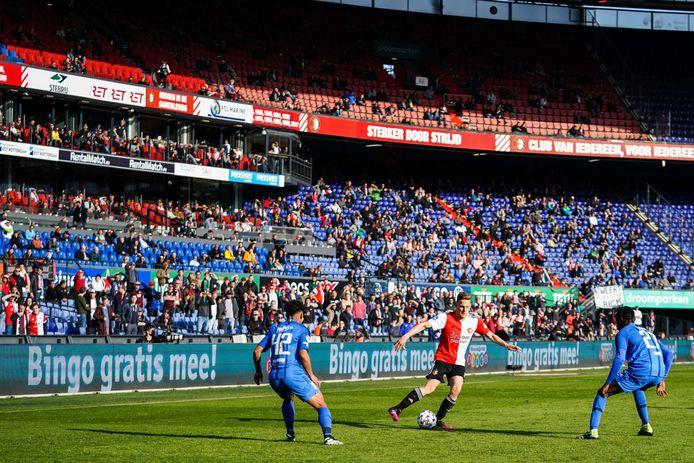 In april speelde Feyenoord al tegen Vitesse met publiek in De Kuip.