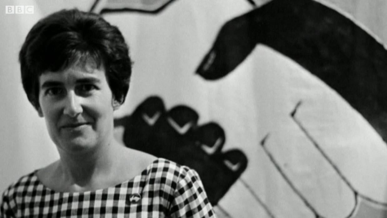 Adelaine Hain in een BBC-interview met haar en haar man Walter. Beeld
