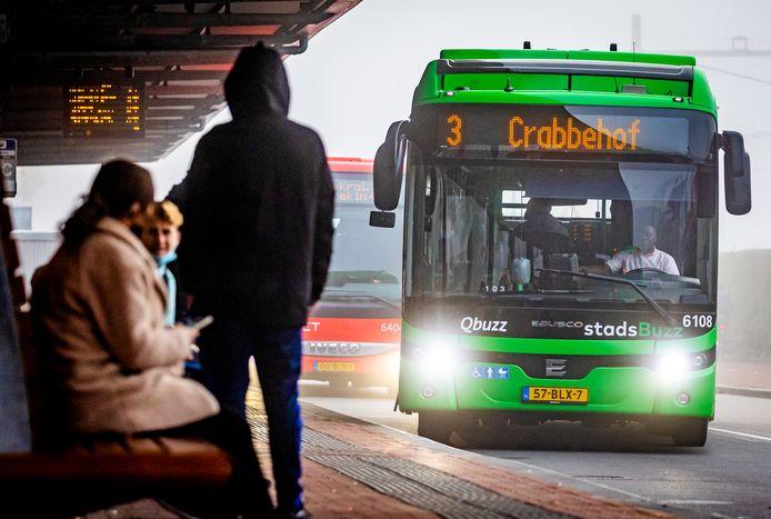 Door een wijziging van de route van buslijn 3 kunnen ze vermoedelijk niet meer opstappen aan de Thorbeckeweg.