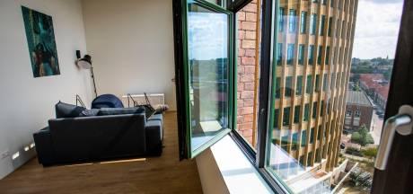 Eerste bewoners nemen intrek in oude Philips Bedrijfsschool Eindhoven