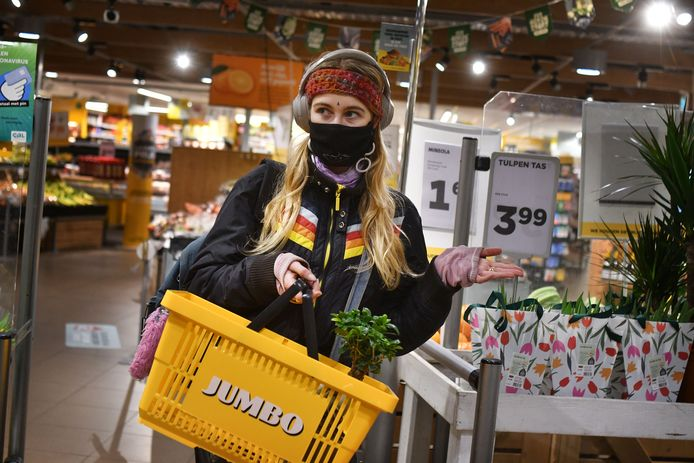 Een klant van een Jumbo-supermarkt, niet de winkel in Aalten.