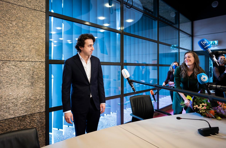 Jesse Klaver staat donderdag de pers te woord, daags nadat GroenLinks zes van zijn veertien zetels verloor. Beeld Freek van den Bergh / de Volkskrant