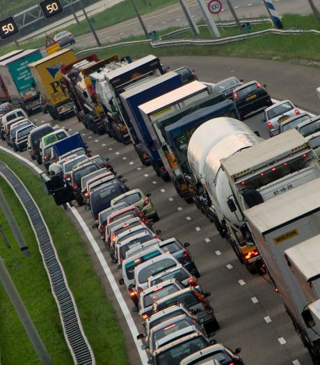 File tussen Zwolle en Wezep door afgesloten stuk A28/A50 afgenomen