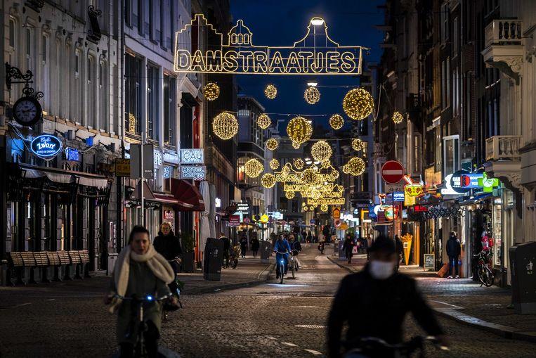 Kerstversiering in de Amsterdamse binnenstad. Beeld ANP