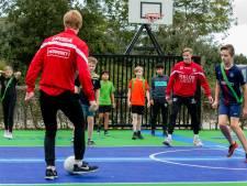 Voetballen en rekenen op nieuw sportcourt van Drutense Pax Christi
