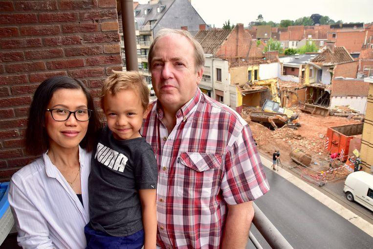 Eric Moerman, zijn vrouw Meena en hun zoontje Bjorn.