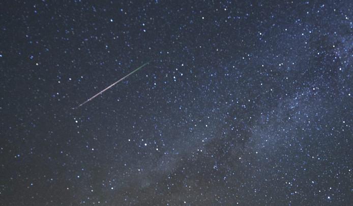 Ter illustratie: Een meteoor brandt op in de atmosfeer