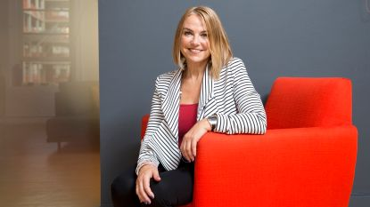 "Seksuologe Esther Perel over overspel: ""Soms ga je vreemd omdat je je vanbinnen dood voelt"""