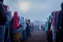 Ethiopische kiezers melden zich in alle vroegte bij een stembureau in Beshasha, de thuisbasis van premier Abiy Ahmed.