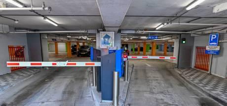 Bezwaar tegen forse prijsstijging abonnement Bergse parkeergarages