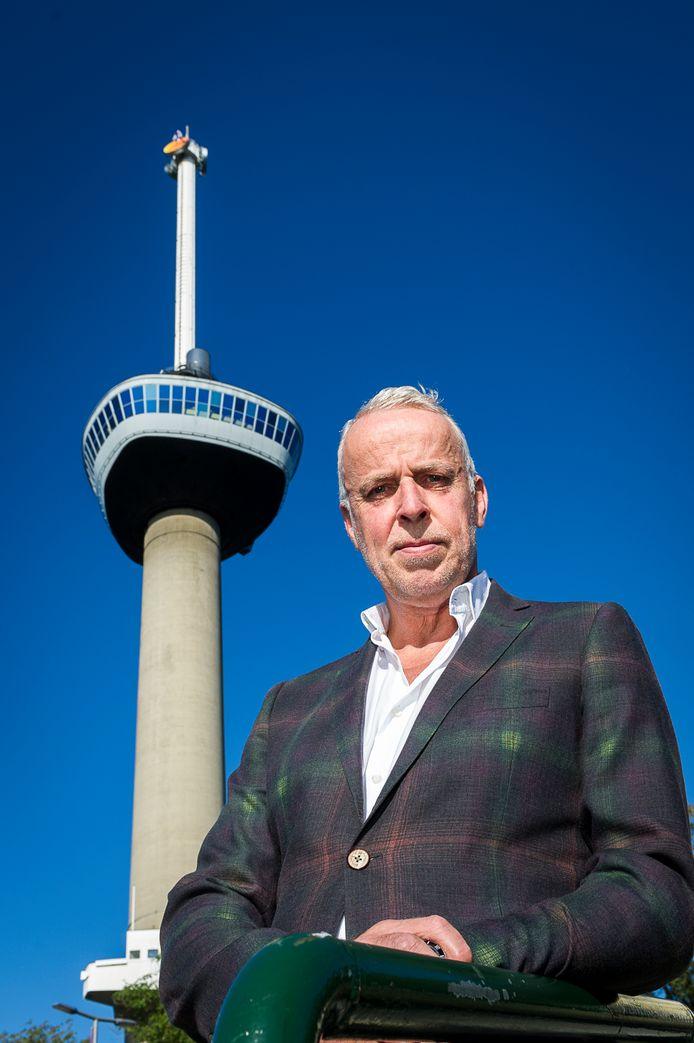 De huidige eigenaar Willem Tieleman voor de Euromast.