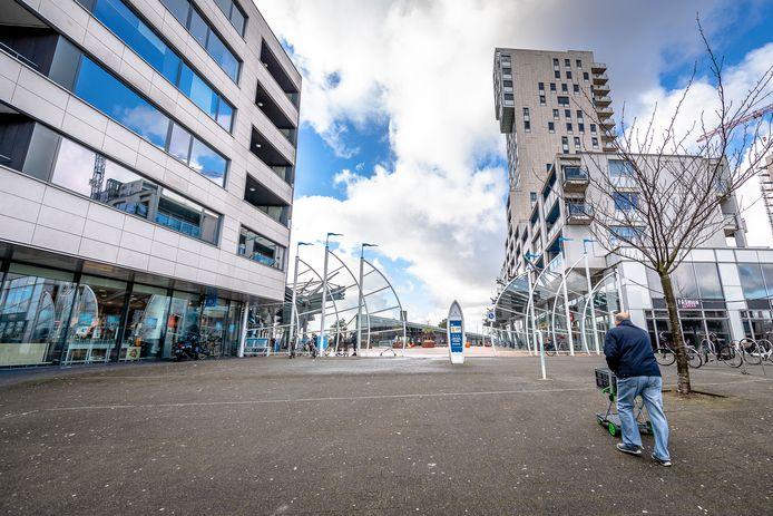 Winkelcentrum Boulevard Nesselande aan het Maltaplein in Rotterdam heeft volgens bewoners veel weg van een tochtgat.