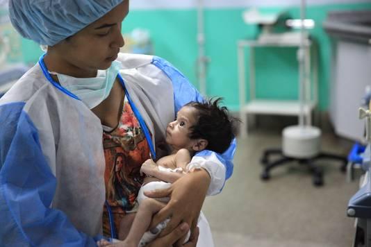 Ziekenhuizen in Venezuela kampen met tekorten aan alles