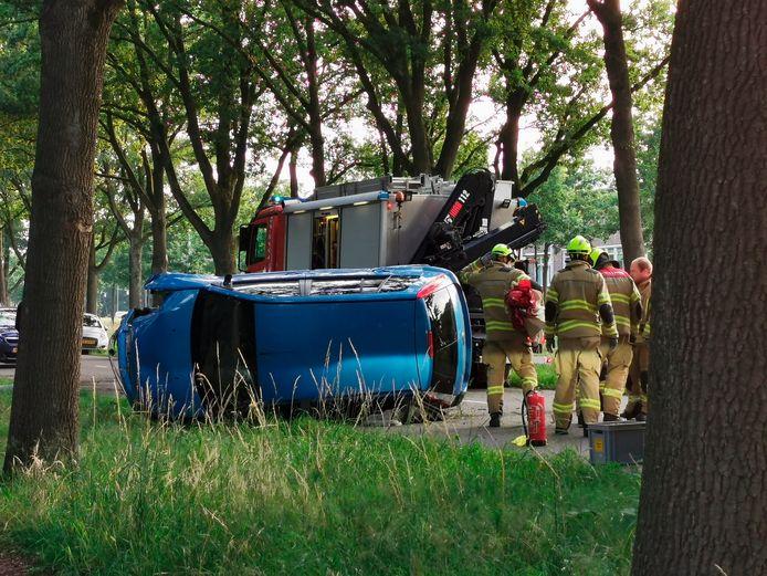 Een automobilist is zaterdagavond zwaargewond geraakt bij een ongeluk op de N224 in Ede, ter hoogte van de Laan van Kernhem.