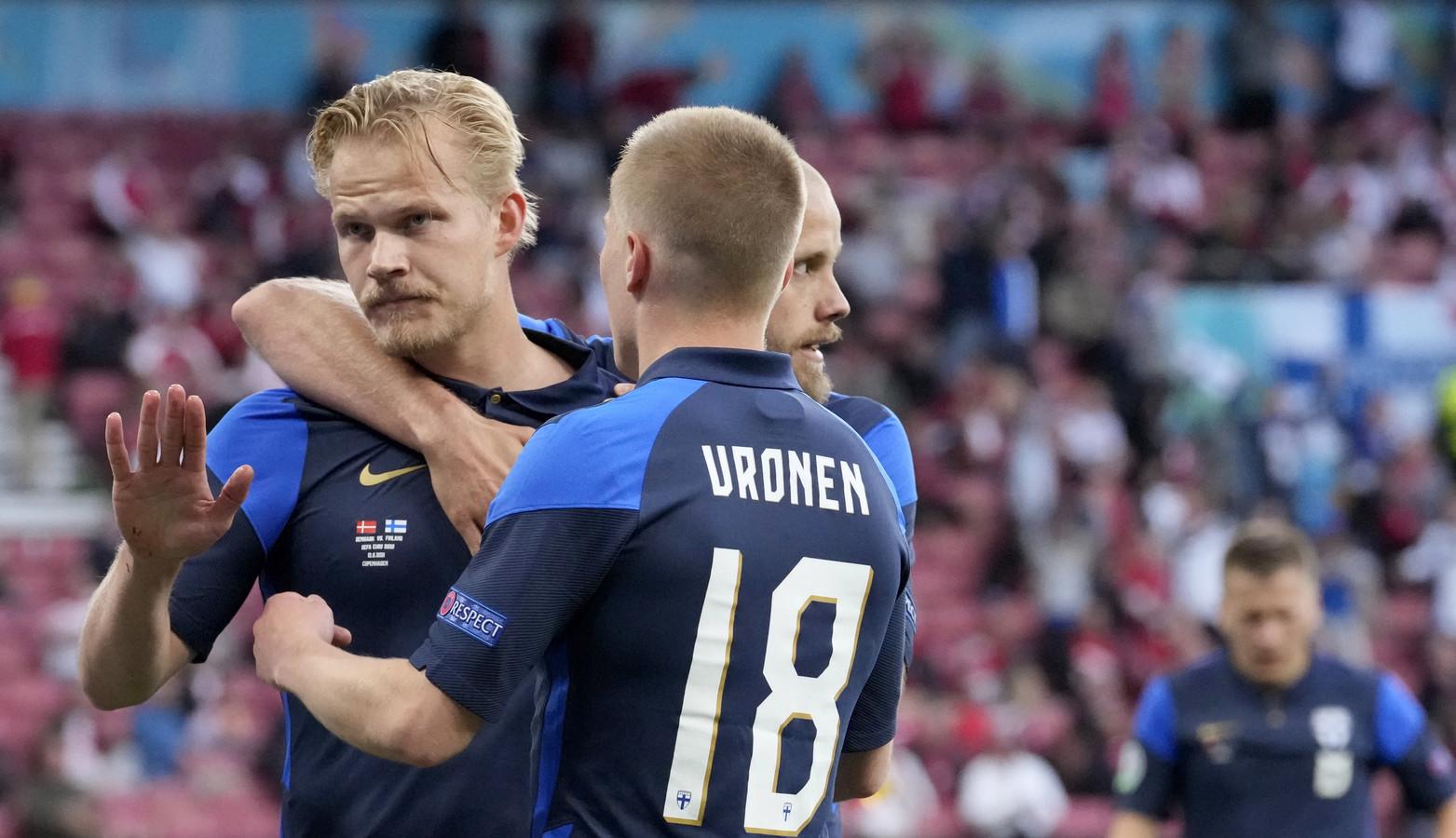 Joel Pohjanpalo (l) viert de 1-0 namens Finland.
