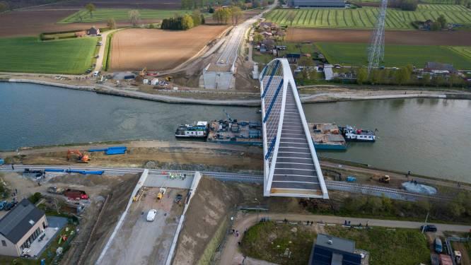 Nieuwe brug tussen Meerhout en Laakdal maand sneller dan verwacht weer open: verkeer kan er vanaf vrijdagnamiddag passeren