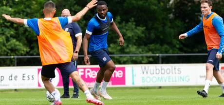 PEC Zwolle neemt afscheid van proefspeler Leandro Fernandes