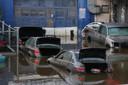 Wagens drijven over de Major Deegan Expressway in de Bronx in New York City.