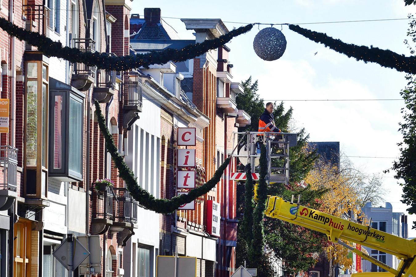 Uit het ondernemersfonds wordt onder meer de jaarlijkse feestverlichting in de Roosendaalse binnenstad betaald.